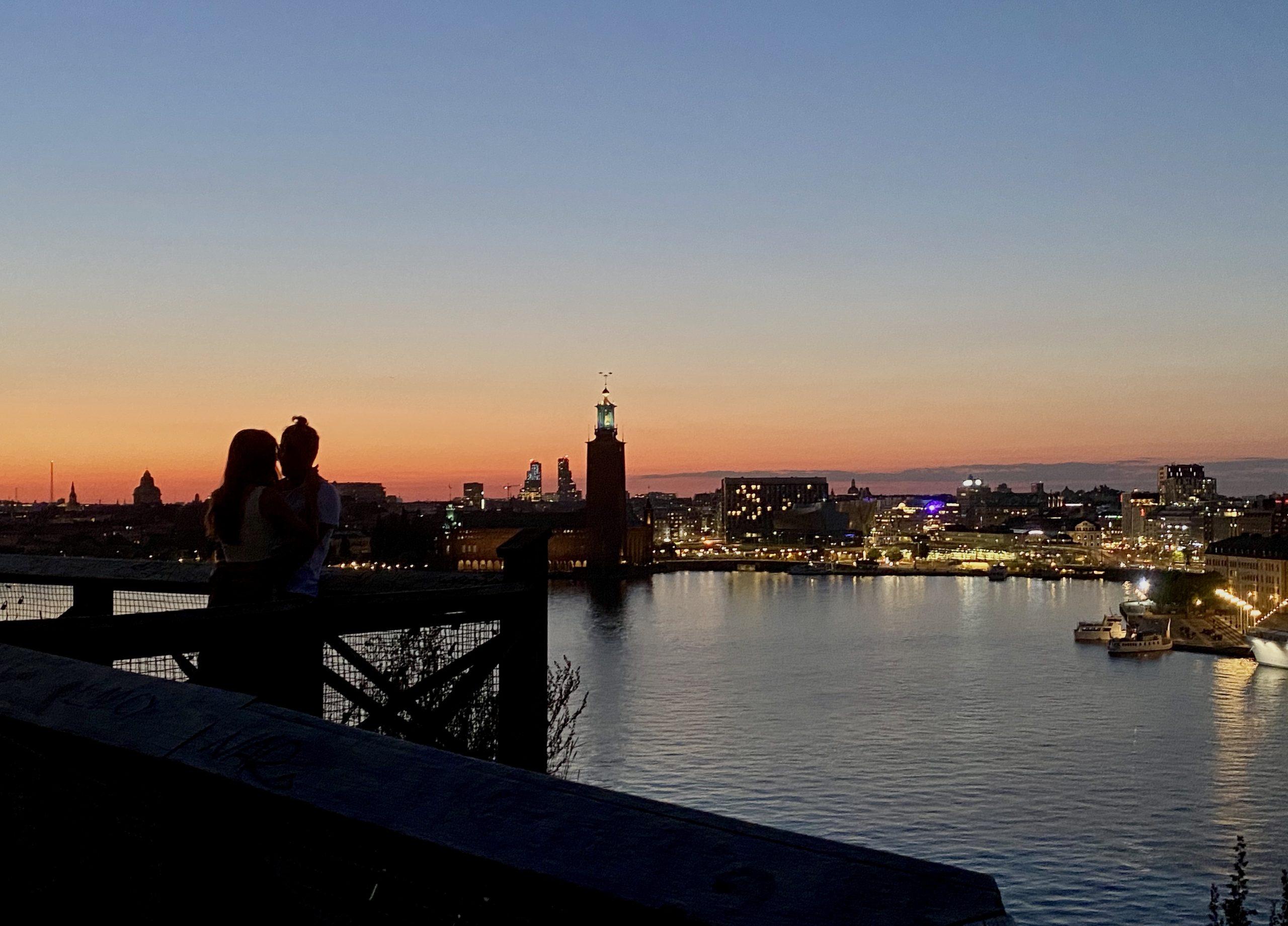 Stockholm Skyline med Stadshuset sett från Monteliusvägen